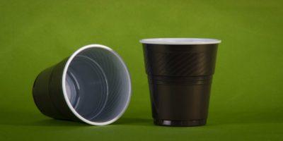 Выбираем пластиковые стаканы для вендинга: плюсы и минусы, марки, поставщики
