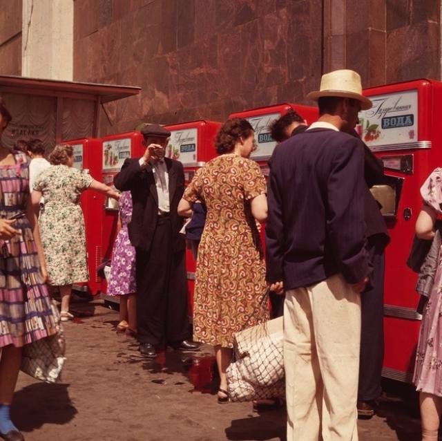 Советский вендинг: автоматы газированной воды